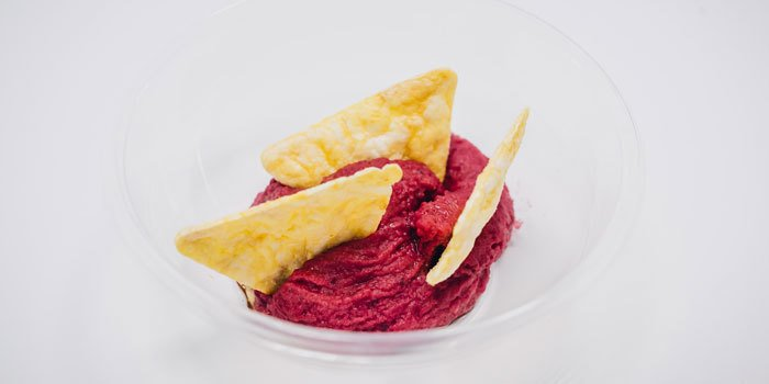 Hummus di barbabietola